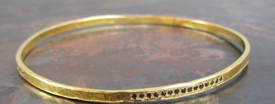 Solid gold Bangle with Black diamonds