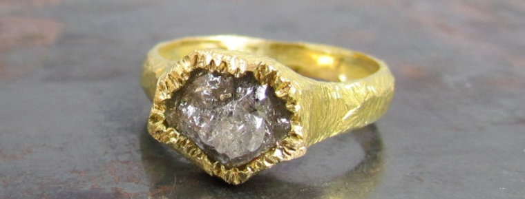 Raw Gray diamond in 18K scratched gold