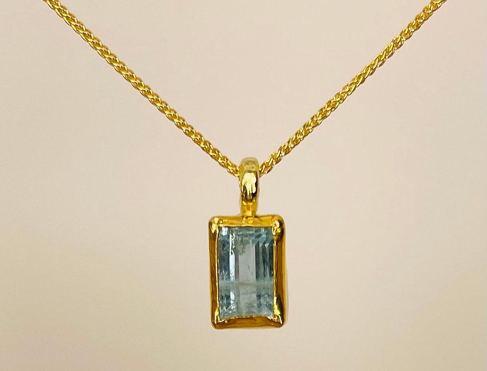 Aquamarine rectangular cut pendant