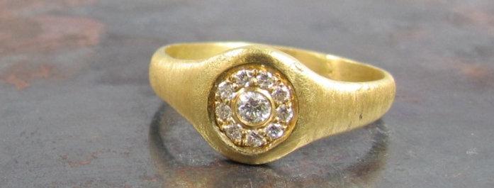 Vintage style flower set white diamonds ring