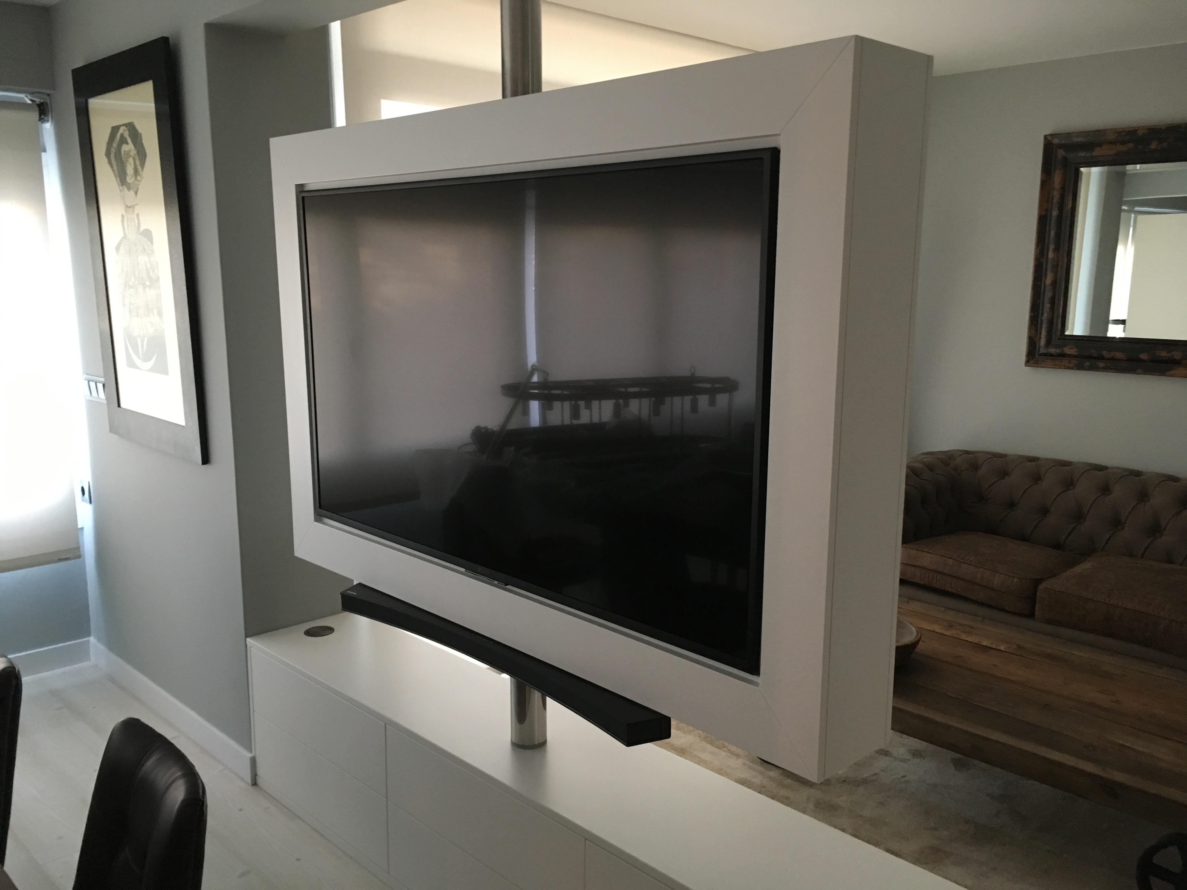 Mueble TV giratorio