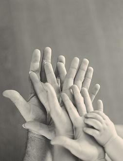 familie handen.jpg