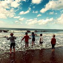 kinderen aan zee.jpg