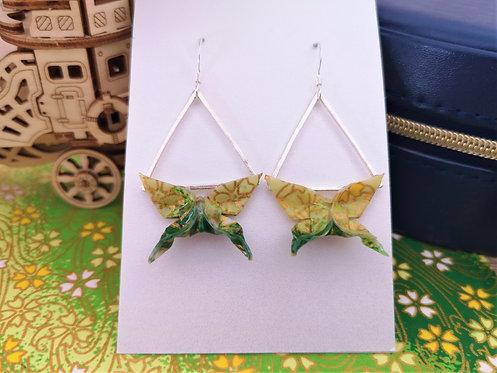 Boucles Papillons Verts à Motifs et Triangles