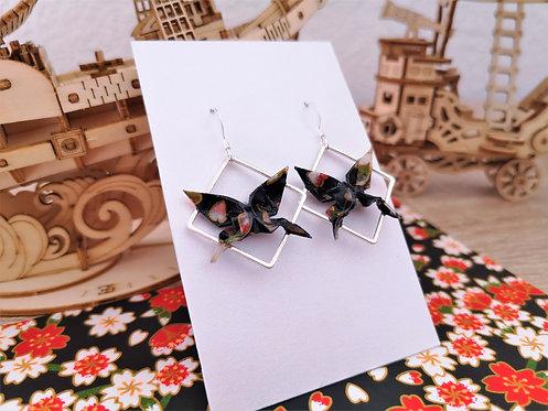 Boucles Papillons Noirs à Motifs et Carrés