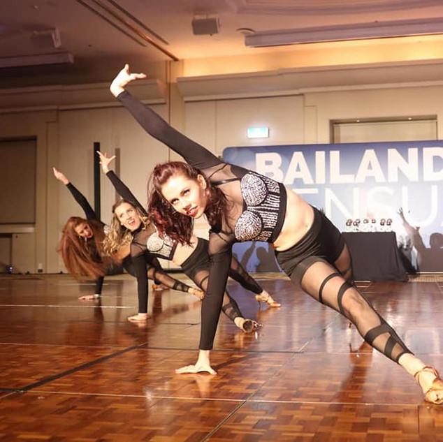 Bailando Ladies.jpg