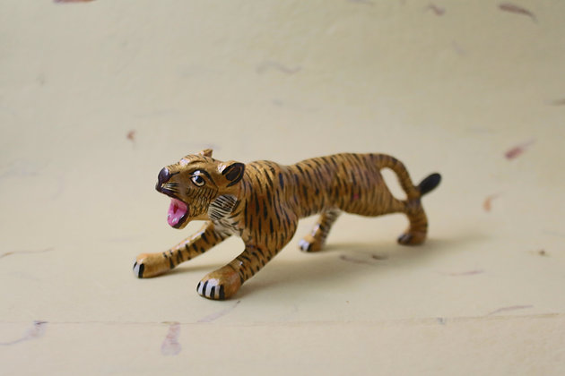 Metal Tiger Painted  PRODUCT CODE - 0165