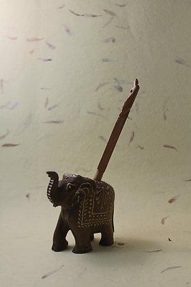 Wooden Elephant Pen Holder  PRODUCT CODE -0217