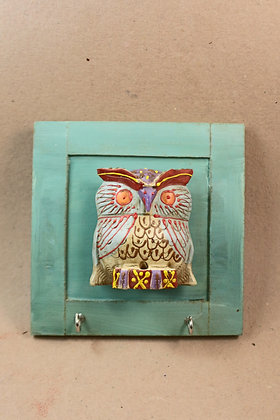Wooden Key Hanger Frame ( Owl Embossed Painted )  PRODUCT CODE - 0173