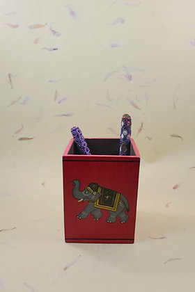 Wooden Pen Stand Painted  PRODUCT CODE - 0188
