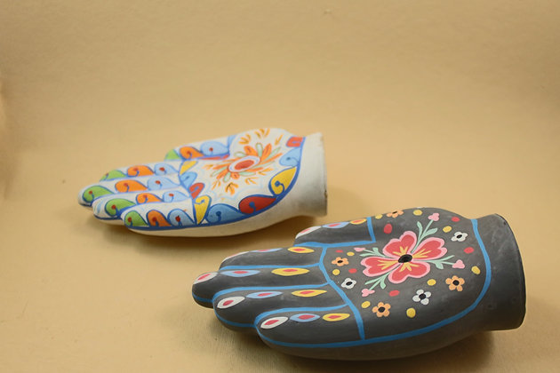 Paper Mache Incense Cone Holder (Hand Shaped Painted)  PRODUCT CODE - 0253