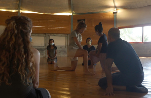'First Person', Workshop by Iris Erez, a piece by Yael Rowe