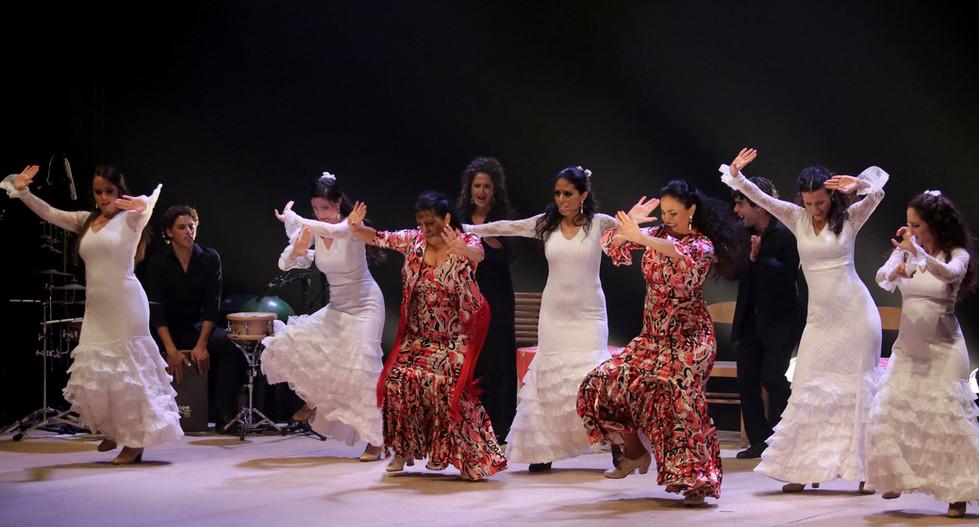 'Flamenco Live' by Remangar, featuring La Farruca