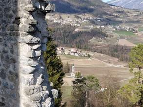 Passeggiata tra Chiese, Castelli e Capitelli