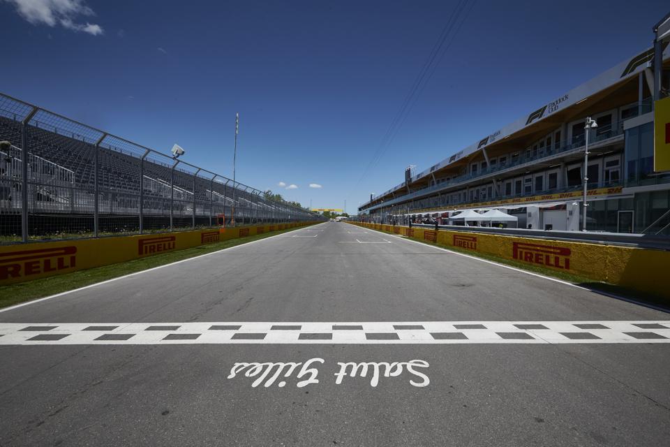 F1 Montreal Hospitality Legends Club Circuit Gilles Villeneuve Start Finish Line
