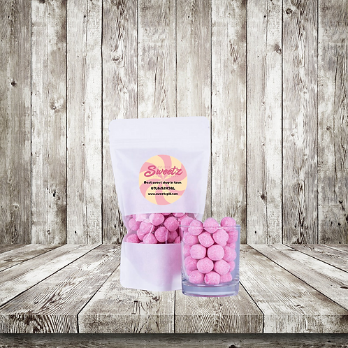 Strawberry bonbons pouch