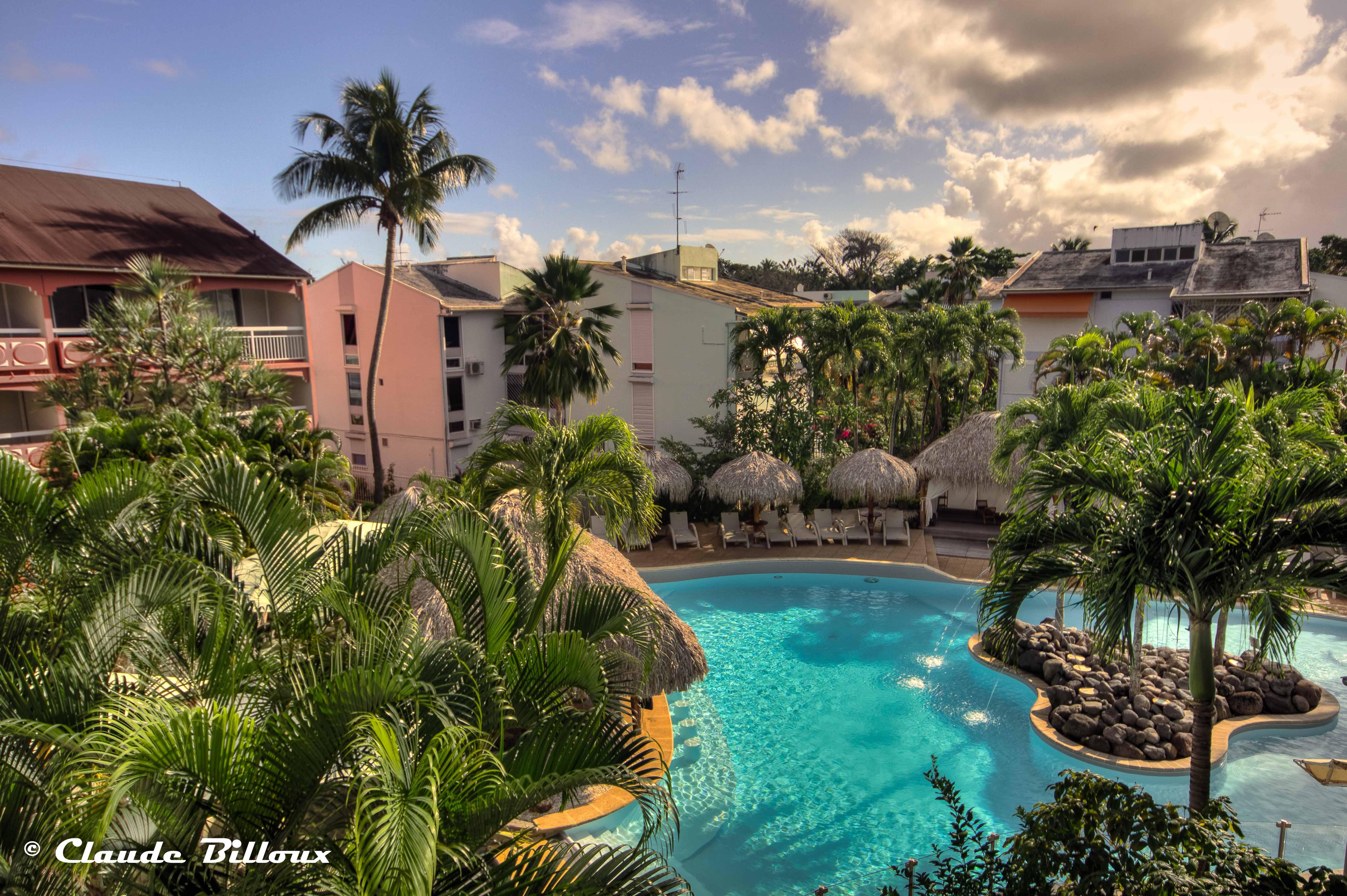 Martinique_0007_8_9_tonemapped.jpg