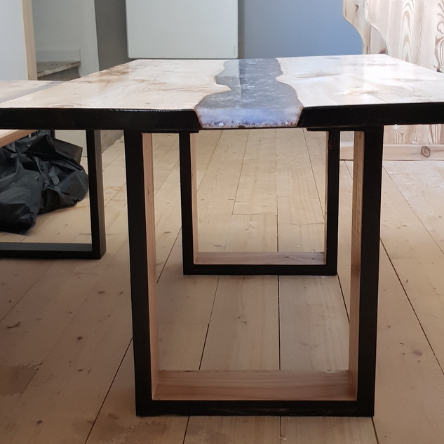 table 060.jpg