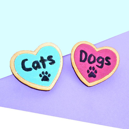 I LOVE CATS/DOGS BADGE