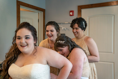 Indianapolis Wedding Photographer - bride getting ready with bridesmaids