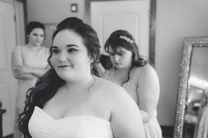 Indianapolis Wedding Photographer - bride getting ready