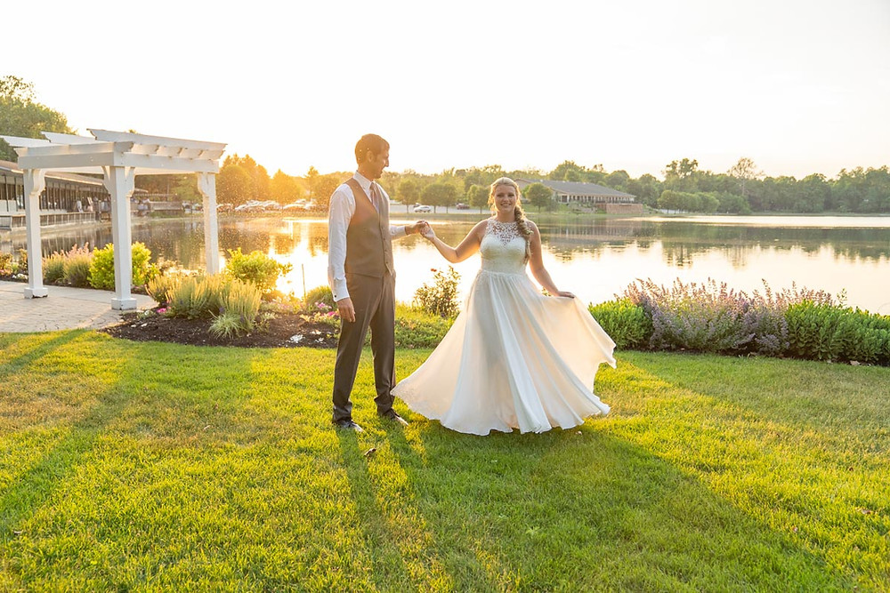 golden hour wedding photography Indianapolis Indiana bride and groom dancing in the sunset