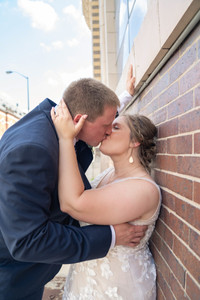 Indianapolis Wedding Photographer Emma Males - bride and groom downtown indianapolis