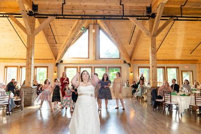 Indianapolis Wedding Photographer - bouquet toss