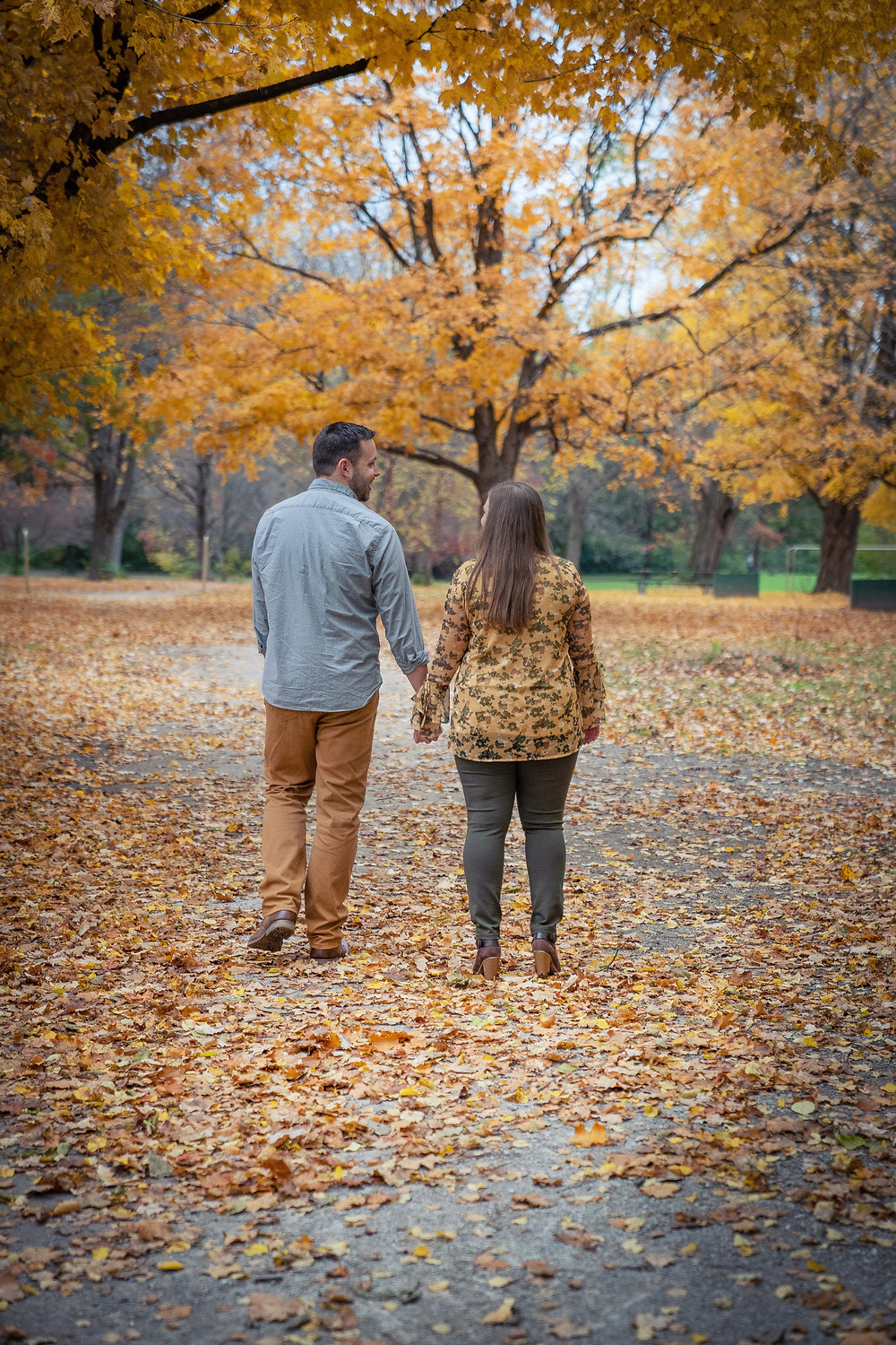 walking fall engagement session IN