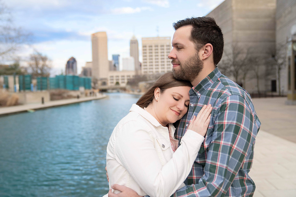 engagement photo with the Indianapolis sky line