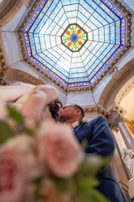 unique bride and groom shots - indiana state house