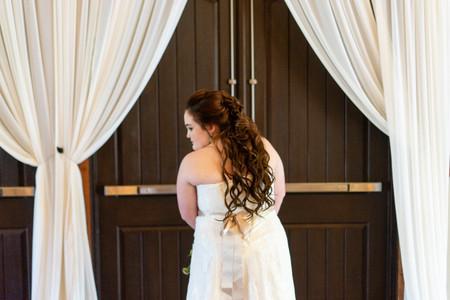 Indianapolis Wedding Photographer - back of bride's dress