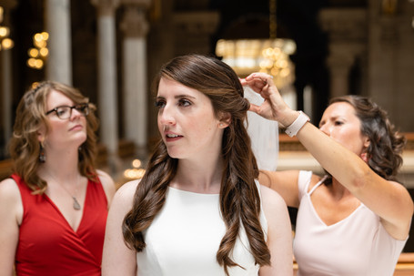 bridal portraits at indiana state house - indiana state house weddings