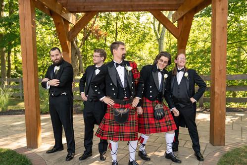 Indianapolis Wedding Photographer - groomsmen posing