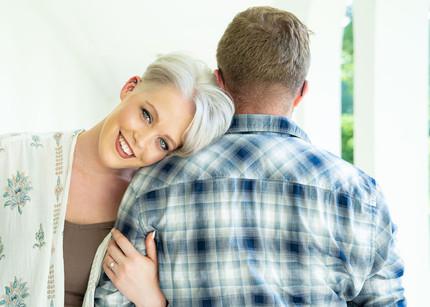 Indianapolis Wedding Photographer Emma Males - beautiful engagement poses