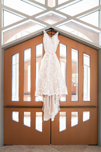 Indianapolis Wedding Photographer Emma Males - Wedding Dress