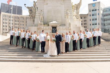 Indianapolis Wedding Photographer Emma Males - bridal party on monument circle