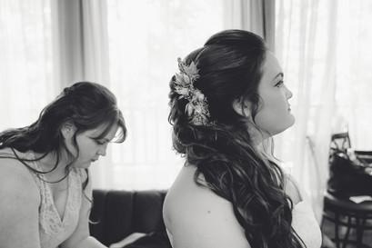 Indianapolis Wedding Photographer - Bride and mom
