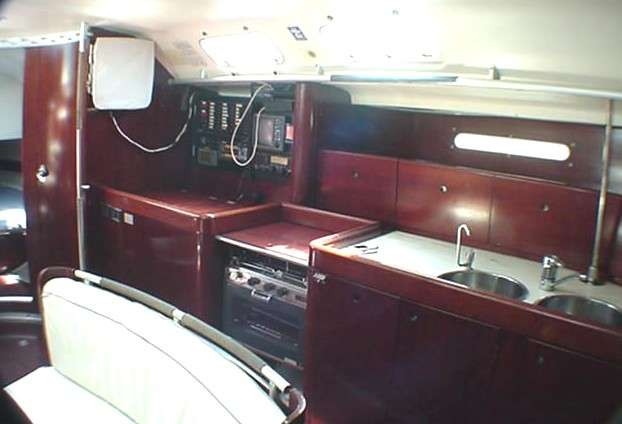 Beneteau First 45 F5 1991 - galley 2 (1)