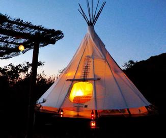 Glamping: Já Pensou em ter a Experiência de Acampar com Conforto?