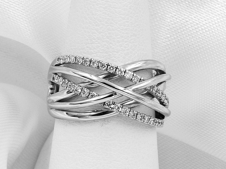 14K White Gold .37cttw Right Hand Ring