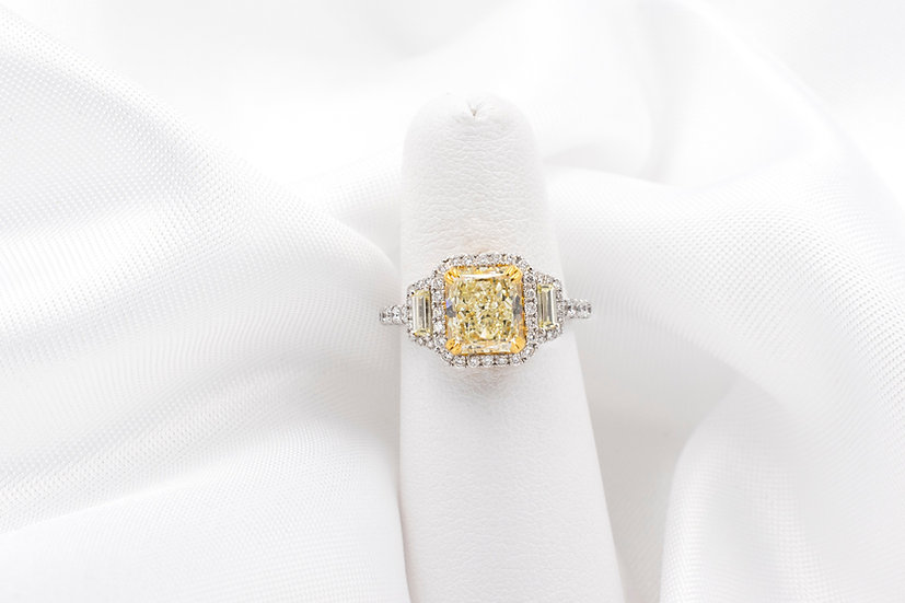 18K White Gold 3 Yellow Diamond Engagement Ring