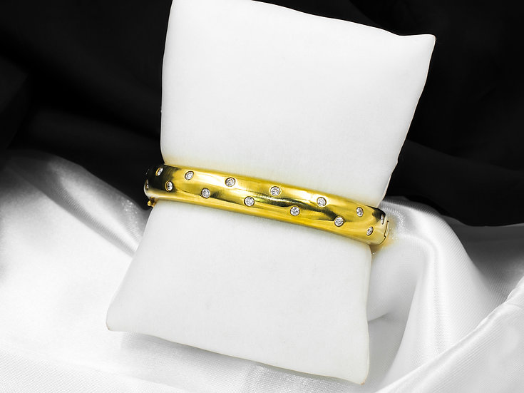 18K Yellow Gold 1.0cttw Diamond Bangle Bracelet