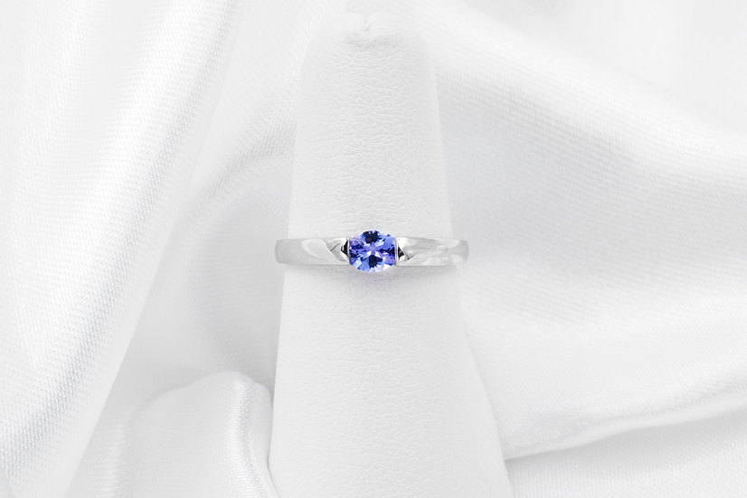 10K White Oval Tanzanite Ring