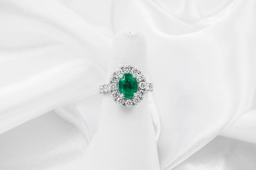 18K White Gold Emerald Diamond Halo Ring
