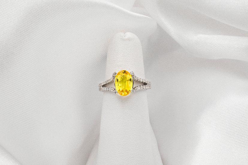 18K White Gold Oval Sapphire Diamond Ring