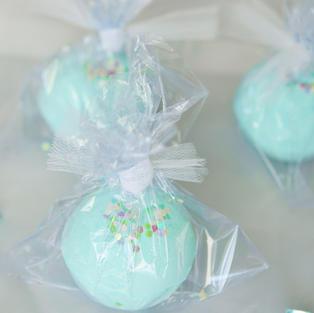 cupcake jewel bomb
