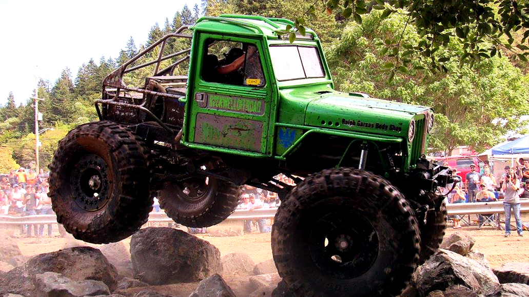 Green Willys in Air