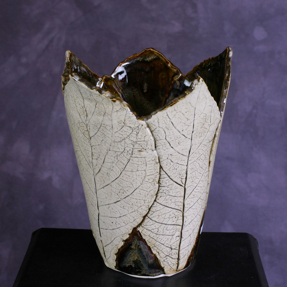 Rogersia leaf vase