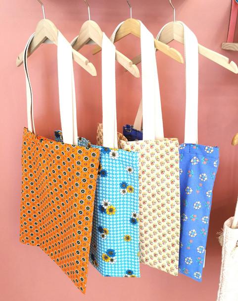 Tote bags vintage_edited_edited.jpg